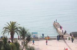 En av pir på sjösidan, Sochi, Ryssland Royaltyfri Bild
