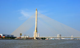 En Bangkok el puente de Rama IX Foto de archivo