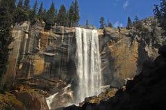 Vattenfall på Yosemite Arkivbilder