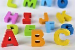 En begreppsbild av abc-bokstäver, pre skola, leksak, alfabet fotografering för bildbyråer