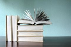 En begreppsbild av böcker - utbildning Royaltyfria Foton