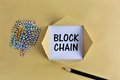 En begreppsbild av en Blockchain logo med kopieringsutrymme Royaltyfri Foto