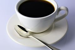 En begreppsbild av en kopp kaffe med kopieringsutrymme Royaltyfri Bild