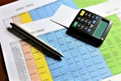En begreppsbild av en mobil betalning - affär, mobil betalning Royaltyfria Bilder