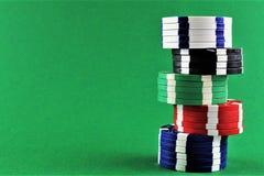 En begreppsbild av pokerchiper med kopieringsutrymme Fotografering för Bildbyråer
