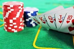 En begreppsbild av en pokerlek, kasino royaltyfria bilder