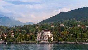 En beskåda från den härliga laken Como arkivbilder