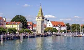 En bild av den härliga hamnen på den Lindau Tyskland Arkivfoto