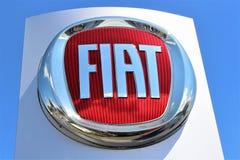 En bild av en Fiat logo - Bielefeld/Tyskland - 07/23/2017 Fotografering för Bildbyråer
