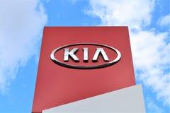 En bild av en KIA logo - Bielefeld/Tyskland - 07/23/2017 Royaltyfri Bild