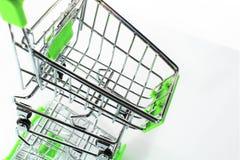 En bild av en shoppingvagn med skugga Royaltyfri Foto