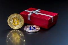 En bild med ett bitcointecken royaltyfria bilder