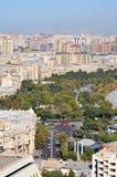 En blick på en av gatorna av Baku härlig sikt _ royaltyfria bilder