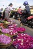 En blommamarknad in solo, Java, Indonesien Royaltyfri Fotografi