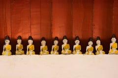 En bois  Bouddha photos stock