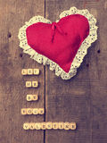 En bois découpe avec une forme de coeur Photos stock