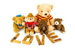 ` En bois d'AMOUR de ` de mots fait à partir des lettres matérielles naturelles Fond de Valentine Image stock