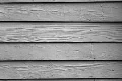 En bois le bleu lumineux peint vieille par maison Image stock