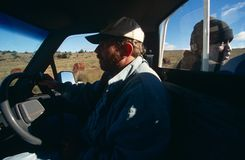En bonde som kör en åka lastbil i lantliga Sydafrika Royaltyfri Fotografi
