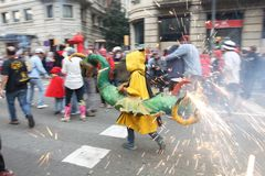 En brännhet drake, La Merce, Barcelona, Catalonia, Spanien royaltyfria foton