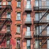 En brandflykt av en hyreshus i New York City Royaltyfria Bilder