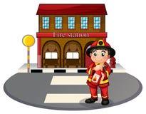 En brandman som rymmer en brandsläckare främst av brandstatien stock illustrationer