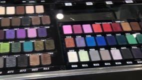 En bred variation av färger för makeupögonskugga arkivfilmer