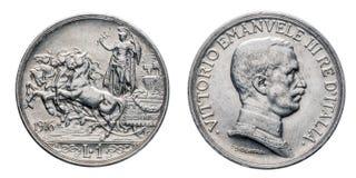 En briosa 1916 för 1 Lira silvermyntquadriga horsed triumfvagnen, det Vittorio Emanuele III kungariket av Italien Arkivbild