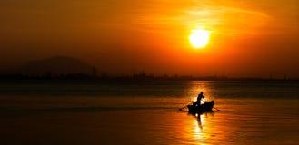 En brännhet soluppgång Arkivfoton