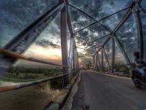 En bro i centrum av Pangkalanbun, Borneo, Indonesien royaltyfri foto