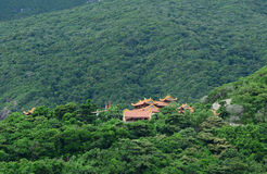 En buddistisk pagod på bergen i Vung Tau, Vietnam Arkivbild