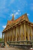 En buddistisk tempel för flodstrand av Kampot, Cambodja Arkivfoto