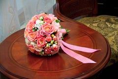 En bukett av att gifta sig blommor royaltyfria foton