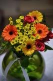 En bukett av ljusa blommor Royaltyfri Fotografi