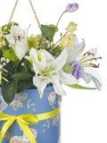 En bukett med vita liljor Arkivfoton