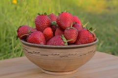En bunke av jordgubbar Royaltyfria Bilder