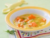 Soup för behandla som ett barn arkivfoto