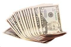 En bunt av femtio 50 dollar räkningar som ut fläktas Arkivfoto
