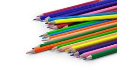 En bunt av kulöra blyertspennor på vit bakgrund Royaltyfri Foto