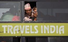 En buss i Indien royaltyfri fotografi