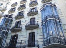 En byggnad vid Gaudi i Barcelona Arkivbild