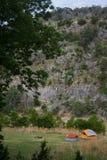 En campingplats på den Colorado krökningdelstatsparken i Texas Arkivbild