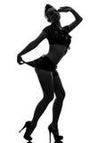 Sexig kvinna i enhetlig ståendesilhouette för armé Royaltyfria Bilder