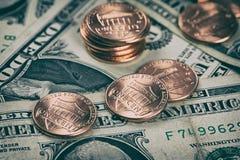 En cent och dollar 5000 roubles för modell för bakgrundsbillspengar Arkivbilder