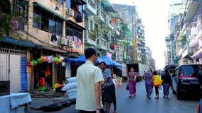 En Chinatown de Rangún, Myanmar metrajes
