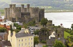 En Conwy, en flod Conwy och ett skjutit Conwy slott Fotografering för Bildbyråer