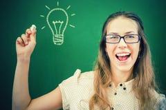 En creativiteitleraar of student heeft vrij goed idee! Stock Foto