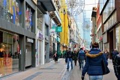 En día de huelga nacional muchas tiendas eran cerradas Foto de archivo libre de regalías