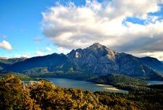 En dal i Bariloche Fotografering för Bildbyråer
