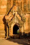 En dekorerad portal (Bagan, Myanmar) Royaltyfri Foto